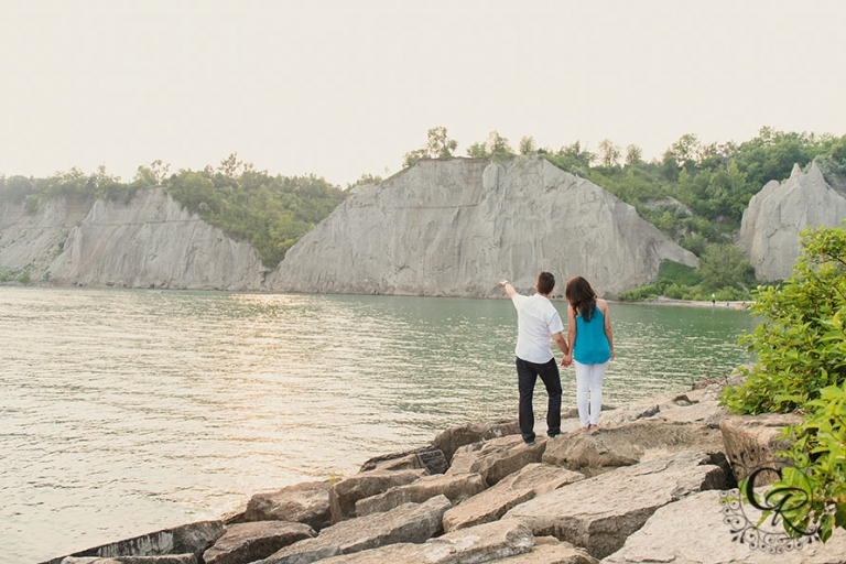 Scarborough-Bluffs-Beach-Toronto-Engagement-Photographer-4