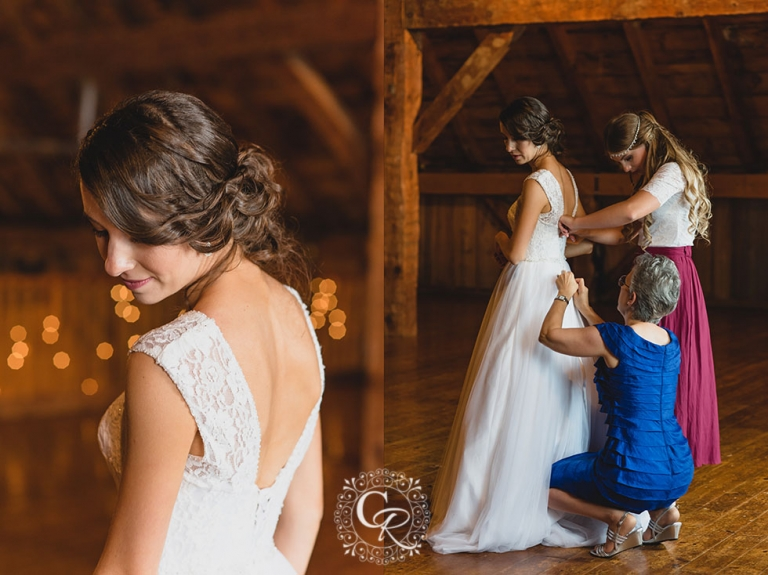 Country-Heritage-Park-Gambrel-Barn-Wedding-Milton-Photographer-03