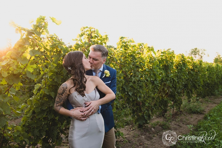 chadseys-cairns-winery-vineyard-wedding-prince-edward-county-05
